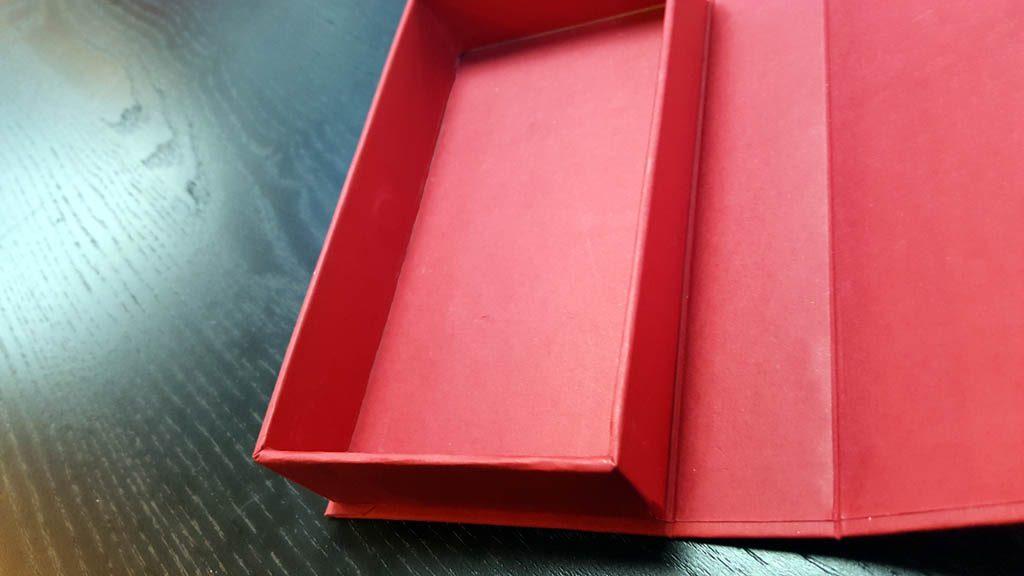 Cutie rigida pentru praline cu magnet - 3