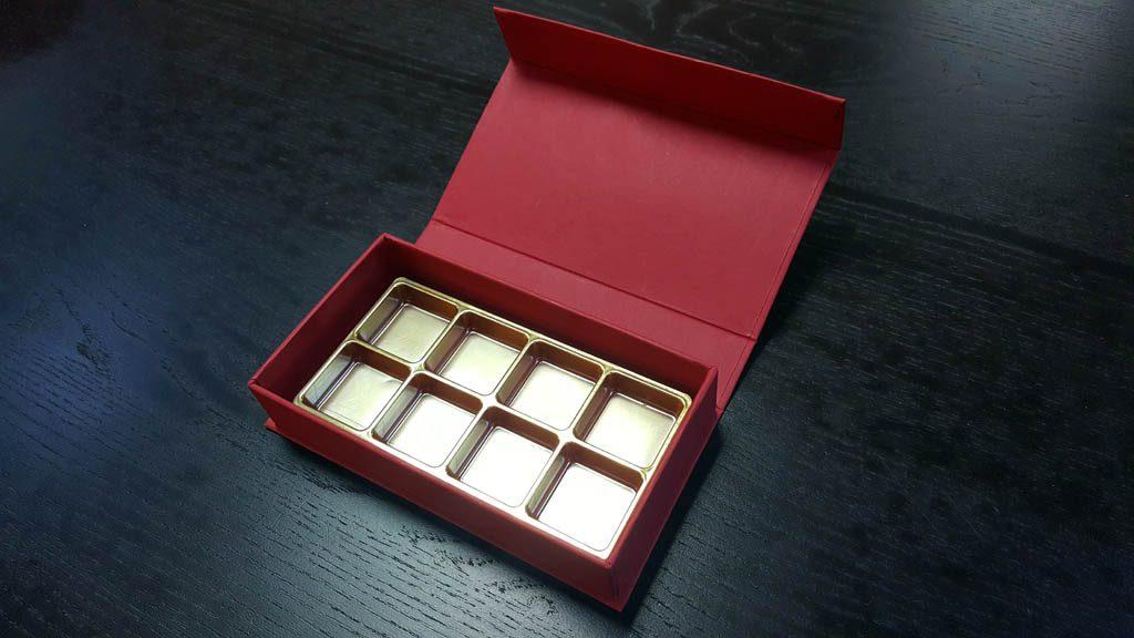 Cutie rigida pentru praline cu magnet - 9