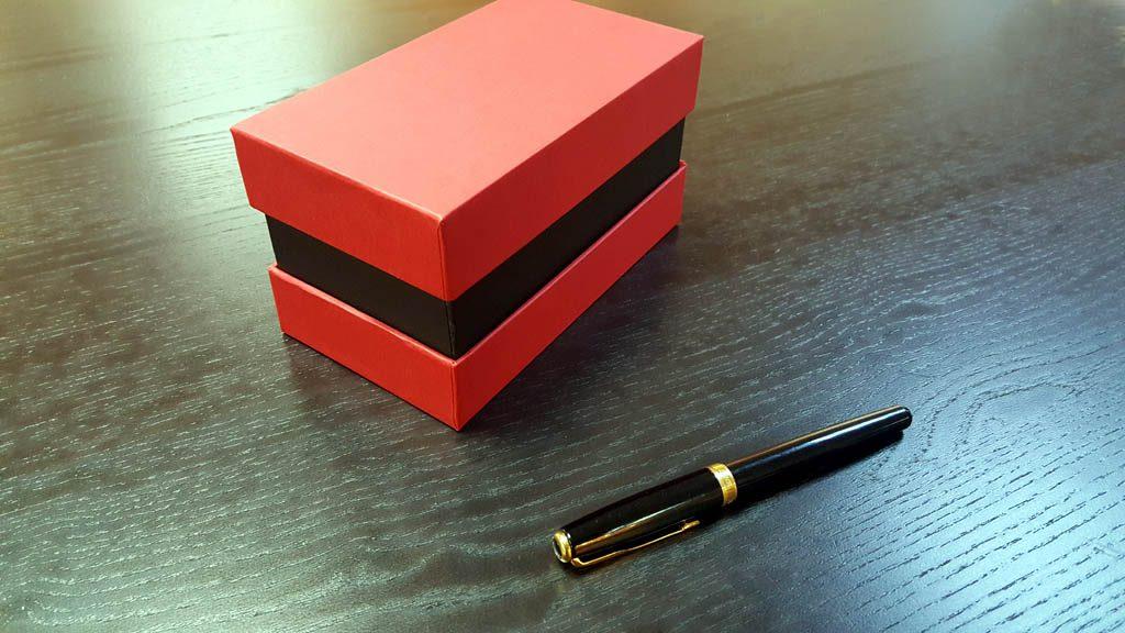 Cutii cu gat din carton rigid - 2