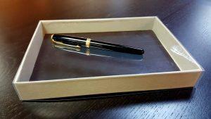 Cutie rigida pentru esarfe, cravate, bijuterii