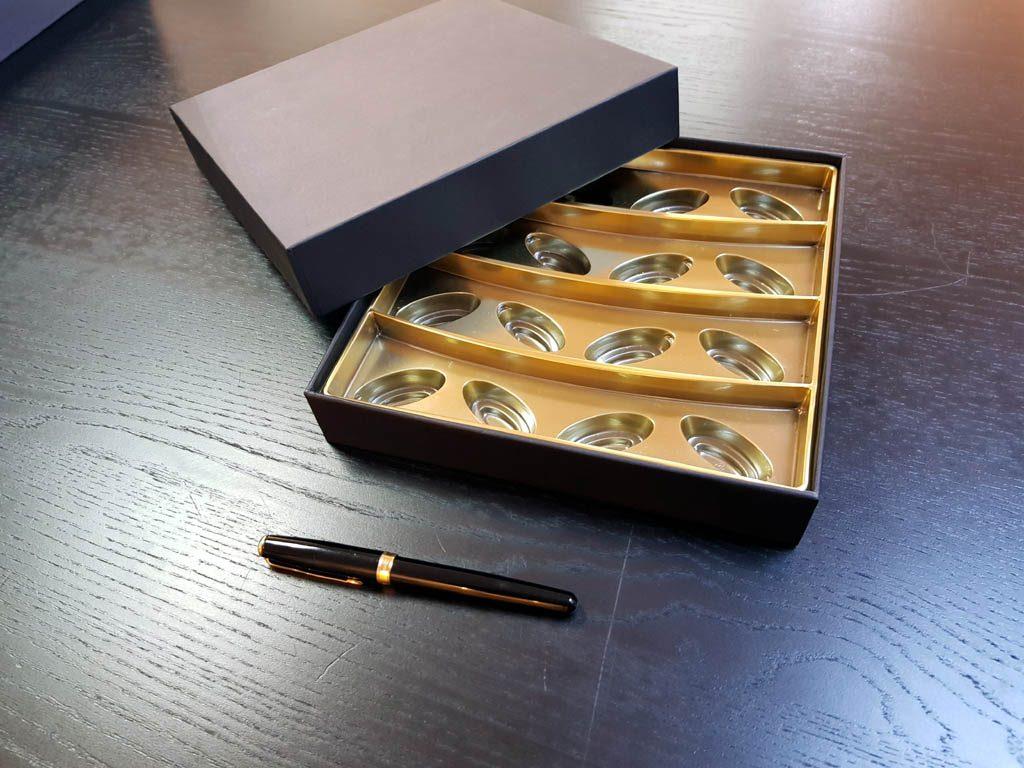 Cutie rigda cu capac pentru praline - 1