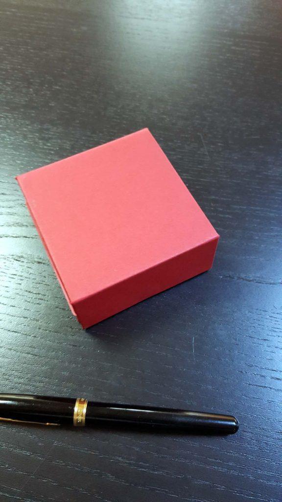Cutie rigida cu magnet pentru 4 praline-bomboane - 8