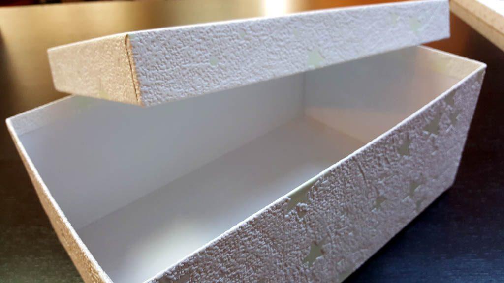Cutii cu stelute pentru cadouri de Craciun - 2