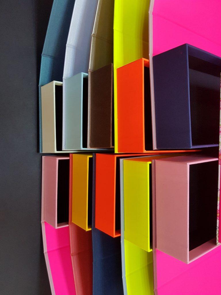 Cutii colorate cu magnet (model 6081) (10)