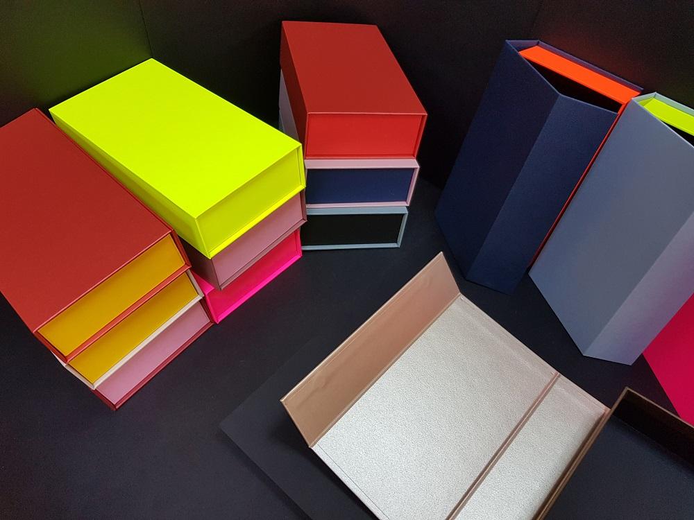 Cutii colorate cu magnet (model 6081) (8)