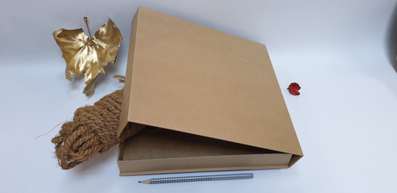 Cutii rigide materiale reciclate 7_edited