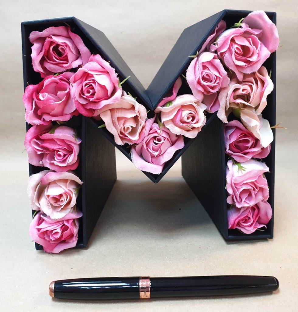 M - litera flori si bomboane (11)